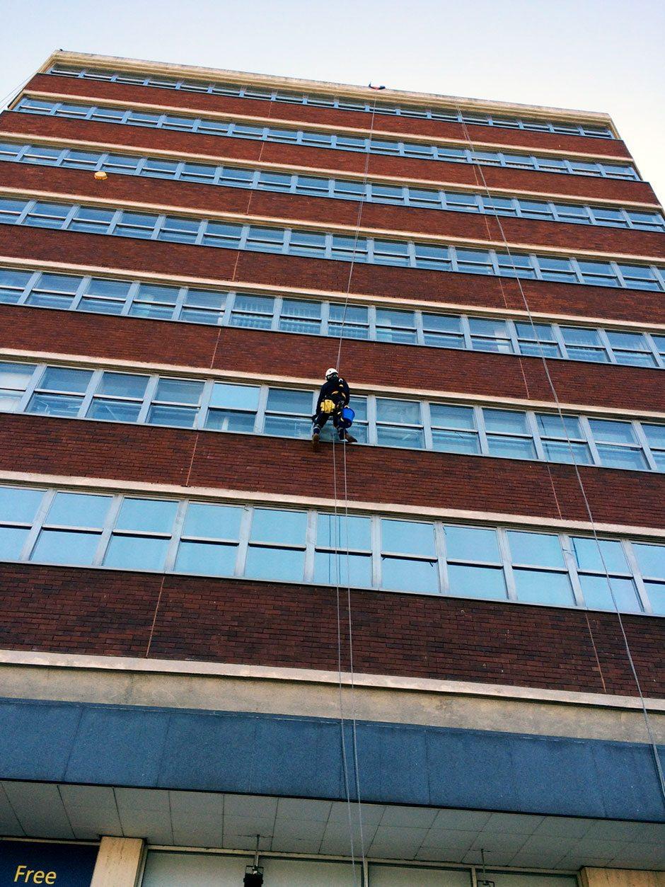 rope access window cleaning in Hemel Hempstead - Hamilton House